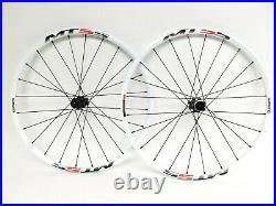 Shimano MT55 26 MTB Wheelset 24 Spoke 15mm TA QR Rear CL Disc Brake White 559